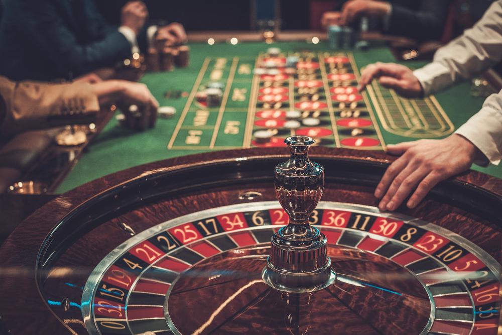 東京で『カジノ』が遊べるエンタメスポット5選 🎰